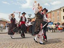 Danza tradicional italiana imagen de archivo libre de regalías