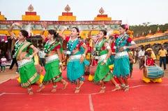 Danza tribal en la India Foto de archivo libre de regalías