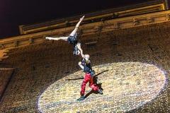 Danza vertical del teatro de la calle Fotos de archivo libres de regalías