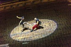 Danza vertical del teatro de la calle Foto de archivo libre de regalías