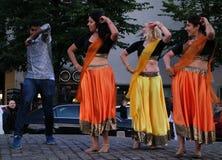 Danza y música indias en la noche del festival de artes en Helsinki, Finlandia Fotos de archivo
