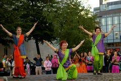 Danza y música indias en la noche del festival de artes en Helsinki, Finlandia Fotografía de archivo libre de regalías