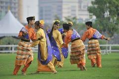 Danza Zapin del folklore fotografía de archivo libre de regalías