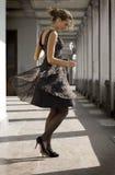 Danzas de la muchacha Imagen de archivo libre de regalías