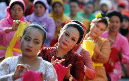 Danzas tradicionales de baile foto de archivo libre de regalías