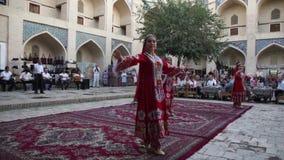Danzas tradicionales del Uzbek metrajes