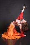 Danzatore di pancia nel colore rosso Fotografie Stock Libere da Diritti