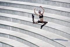 Danzatore di salto in arena Fotografia Stock Libera da Diritti