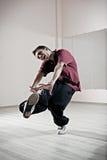Danzatore impressionabile in studio fotografie stock