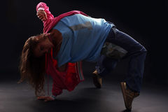 Danzatore moderno della donna fredda immagine stock