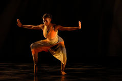 Danzatore moderno sui punti fotografia stock libera da diritti