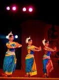 Danzatori dell'India in costume tradizionale Fotografia Stock