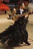 Danzatori della sala da ballo nel nero Fotografie Stock