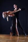 Danzatori in sala da ballo immagine stock libera da diritti