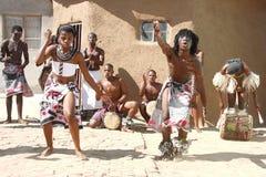 Danzatori tradizionali africani Fotografie Stock Libere da Diritti