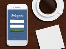 Danzica, Polonia - 24 ottobre 2014: telefono cellulare con instagram l Immagine Stock Libera da Diritti