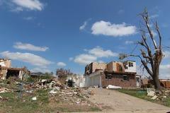 Daño del tornado a los hogares y a la característica Foto de archivo libre de regalías