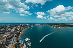 Dar Es Salaam Port de la entrada fotos de archivo