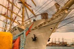 Dar MÅ 'odzieÅ ¼ y,一艘三被上船桅的帆船 免版税库存照片