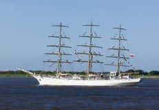 Dar Mlodziezy, połysku żagla stażowy statek na Elbe rzece Zdjęcia Stock