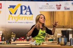 DArabian Melissa gör köttbullar på PA att bruka show royaltyfria bilder