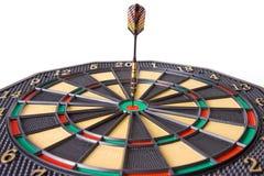 Dard dans le dartboard images libres de droits