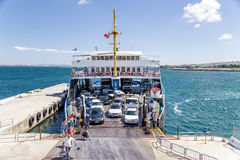 Dardanelles, Τουρκία Πορθμείο αυτοκινήτων εκφόρτωσης έναρξης Στοκ εικόνα με δικαίωμα ελεύθερης χρήσης