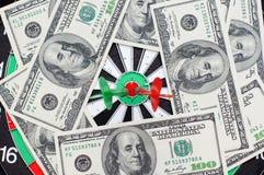 Dardi con i dollari Fotografia Stock Libera da Diritti