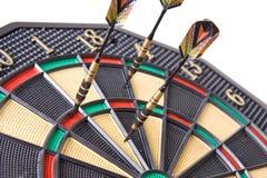 Dardi in dartboard immagine stock libera da diritti
