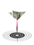 Dardos e alvo do dinheiro Fotografia de Stock