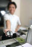 Dare il mouse del calcolatore Immagine Stock Libera da Diritti