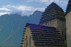 Dargavs, un monument culturel et historique des 14-16èmes siècles Photographie stock libre de droits