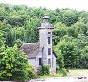 Dargestellter Felsen-Leuchtturm lizenzfreie stockfotografie