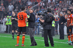 Dario Srna and Juande Ramos talking on the field Stock Images