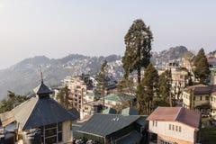 DARJEELING, ИНДИЯ, 6-ое марта 2017: Взгляд города Darjeeling Стоковая Фотография RF