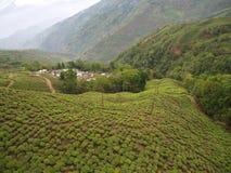 Darjeeling INDIEN, 15th APRIL 2011: Flyg- sikt från cablen Arkivfoto