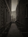 Dark city alley Royalty Free Stock Photography
