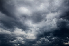 Dark clouds. Before the coming of thunderstorm Royalty Free Stock Photos