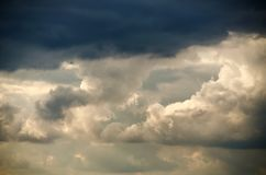 Dark clouds before a thunderstorm Royalty Free Stock Images