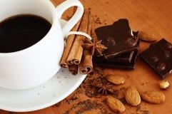 dark för bakgrundschokladkaffe Royaltyfria Bilder