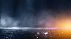 Free Dark Street, The Reflection Of Light On Wet Pavement. Stock Photography - 143776902