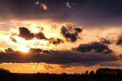 Dark van de zonsondergangwolk Royalty-vrije Stock Foto's