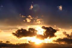 Dark van de zonsondergangwolk Stock Foto's