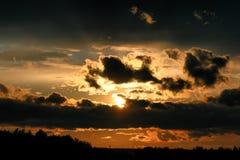 Dark van de zonsondergangwolk Stock Afbeeldingen
