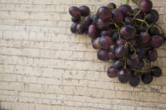 Dark winery grapes Royalty Free Stock Photography