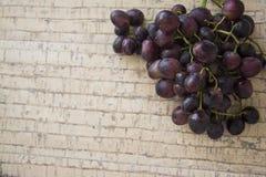 Dark winery grapes Royalty Free Stock Photography