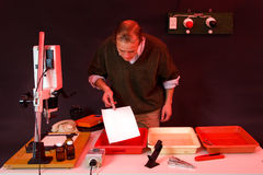 печатание darkroom Стоковые Изображения