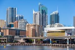 Darling Harbour junto ao centro de cidade de Sydney Imagens de Stock
