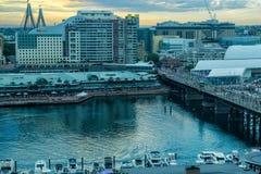 Darling Harbour Sydney Australia en la puesta del sol Fotos de archivo libres de regalías