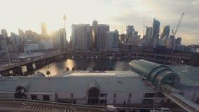 Darling Harbour Sydney Time Lapse von Skyline-Sonnenuntergang-u. Bau-Entwicklungs-Standort-Kränen stock video footage